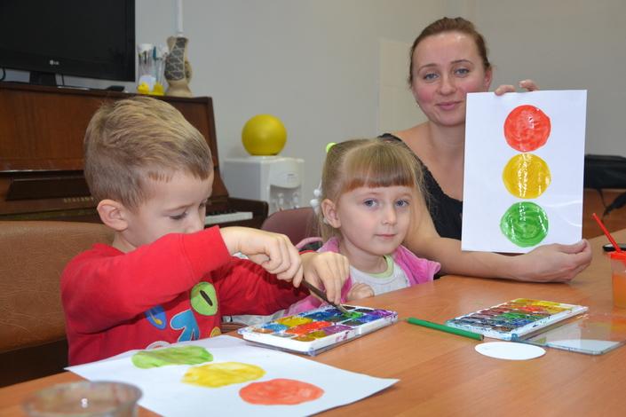 места учебы занятие с детьми рисование светофор таунхаусов, Калужское